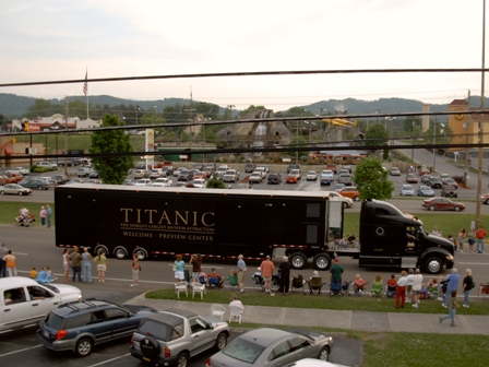 Titanic Rolling Through Pigeon Forge